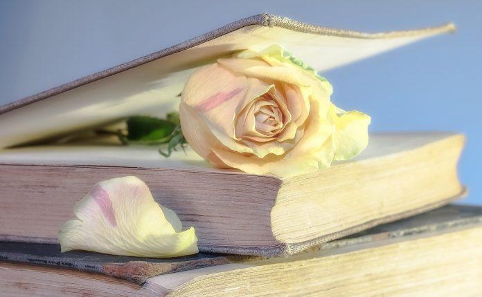 Khutbah Jumat Meraih Keutamaan Shalat Dengan Ilmu